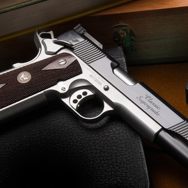 Wilson - 1911 the Classic Supergrade.