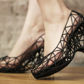 continuum fashion - strvct - 3D printed shoes