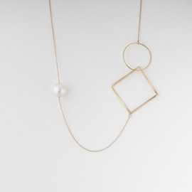 tortue - pearl long necklace