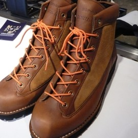 DANNER MOUNTAIN LIGHT ZIP UP BOOTS