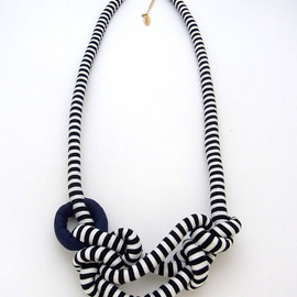 HOMAKO - Nuno Rope Long Necklace Black x White Stripe