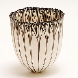 Cheryl Malone - Petal Sequence Vessel,2009,260x190mm, coiled porcelain