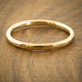 Melissa Joy Manning - Women's Hammered Gold Band 1mm