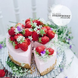 STRAWBERRY - No-bake strawberry cheesecake