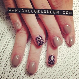 Nails - Nude and Chevron
