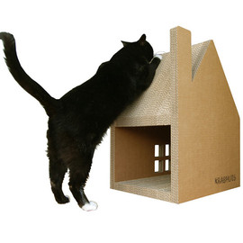 Krabhuis: A Cardboard House for Cats to Scratch