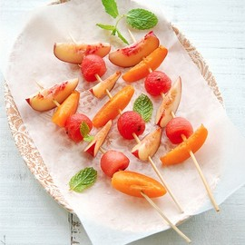 FRUITS - fruit skewers