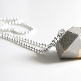 Katharina-bon_voyage - Concrete Diamond Pendant with a golden tip