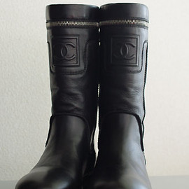 CHANEL - CHANEL engineer boots