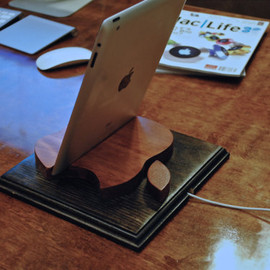 "NotchedArt - The ""Rusty Apple"" wooden iPad stand for iPad 1, 2, 3,plus the iPad mini"