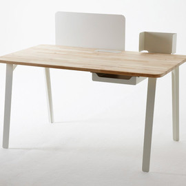samuel wilkinson - mantis desk