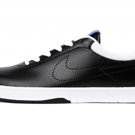 NIKE - FRAGMENT DESIGN x NIKE SB KOSTON