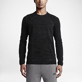 NIKE - TECH KNIT CREW BLACK