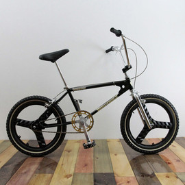 WBASE - HOW I ROLL / 2011 THE ROOTS / BLACK&GOLD / ABOVE BIKE STORE CUSTOM