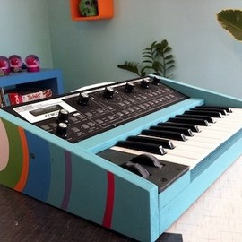 Moog - :~> Custom Painted Slim Phatty!!
