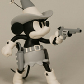 MEDICOM TOY - VCD MINNIE MOUSE TWO-GUN MICKEY