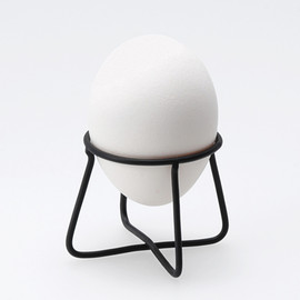 ±0 - 'wire ware' egg cup
