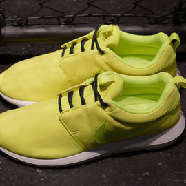 Nike - NIKE ROSHE RUN NM LIMITED EDITION for NONFUTURE/YEL/WHT