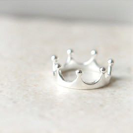 laonato - Simple Crown Ring in sterling silver