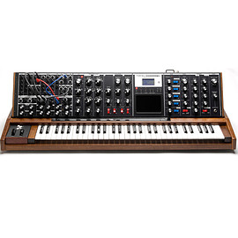 Minimoog Voyager Electric Blue Edition