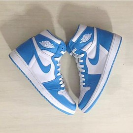NIKE - NIKE AIR JORDAN 1 RETRO HIGH OG DARK POWDER BLUE/WHITE
