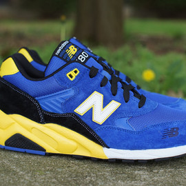 New Balance - MT580BY - NAVY/BLACK/YELLOW/WHITE