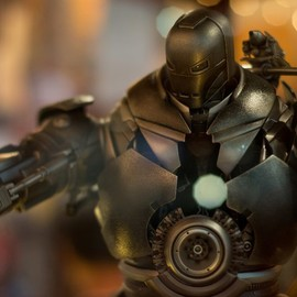 Hot Toys - MMS164 - Iron Man: Iron Monger Limited Edition Collectible Figure