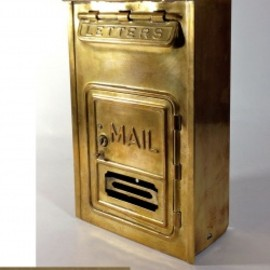 "アメリカ製アンティーク - 1920-30's ""CORBIN LOCK CO."" Brass Wall Mount Mail Box"