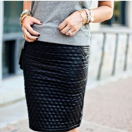 leather skirt/style