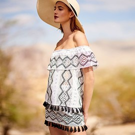 Queen & Pawn - Queen & Pawn Hattusa Off-the-Shoulder Broderie Anglaise Top with Tassel Hem
