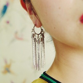 mother - Chain tail earrings