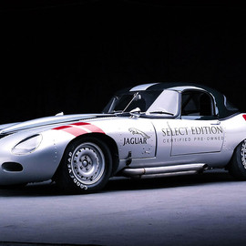 Jaguar - E-Type roadster racing