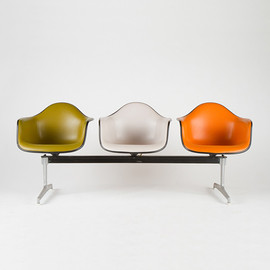 Eames (manufacturer : Herman Miller) - Tandem Shell Seating Three Arm Shells