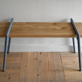 BOLTS HARDWARE STORE - WORK BENCH LEG 板付き SLATE BLUE