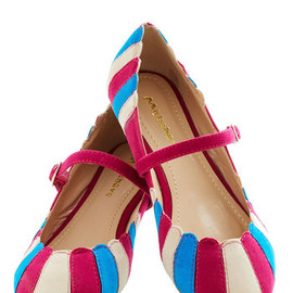 ModCloth - Umbrella Statement Flat