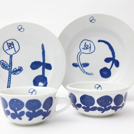 mina perhonen , PASS THE BATON - 『咲いている花にただ笑ふ。』original tableware