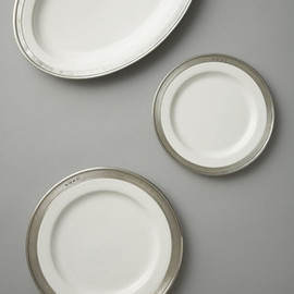 Pewter Convivio White / Pewter Charger Plate