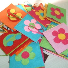 Luulla - Colorful Party Favors - Set of 10 HANGING Party Favors - CUSTOM ORDER