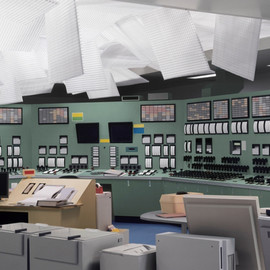 thomas demand - kontrollraum / control room, 2011. C-print.