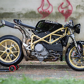 Ducati - nacked flash back Mr Martini