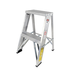Michigan Ladder Company - Aluminum Step Ladder