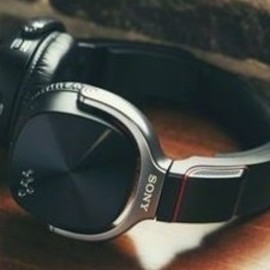 Sony - Walkman NWZ‑WH505 (NW‑WH505) / headphones and music player