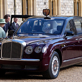 Bentley - Her Majesty the Queen State Limousine