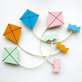 lucie0ellen - Kite and Ribbon Brooch