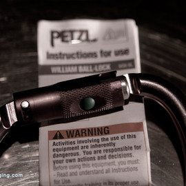PETZL - WILLIAM BALL-LOCK Autolocking Carabiner