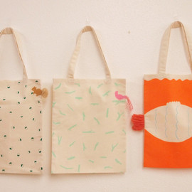 AIUEO - RIBBON TOTE BAG