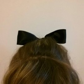 hairstyle / ribbon