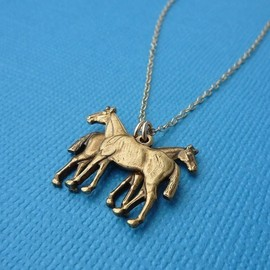 Jaci Riley - the horse twins necklace in gold