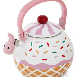 ModCloth - Care for a Cupcake? Tea Kettle