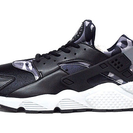 "NIKE - (WMNS) AIR HUARACHE RUN PRINT ""LIMITED EDITION for NONFUTURE"""